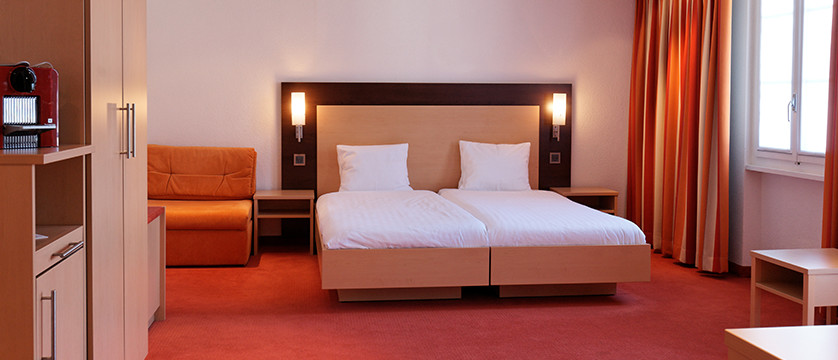 Hotel Oberland, Interlaken, Bernese Oberland, Switzerland - twin room.jpg